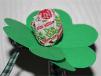 Shamrock lolly party favor